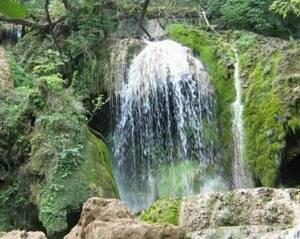 """Крушунски водопади - девствена дива природа, КРУШУНСКИ ВОДОПАДИ, """"Старата къща"""" в Крушуна до минералния басейн и водопадите"""